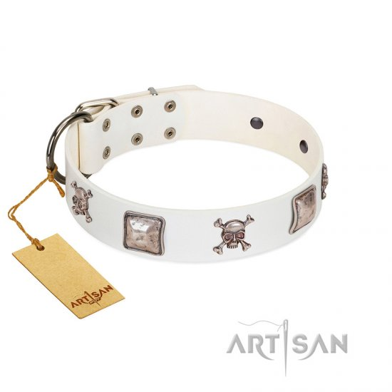 """Pirate Sloop"" Handmade FDT Artisan Designer White Leather Amstaff Collar with Crossbones"