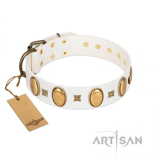 """Chichi Pearl"" Designer Handmade FDT Artisan White Leather Amstaff Collar with Ovals and Studs - Click Image to Close"