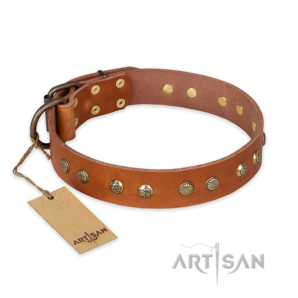 Fashionable natural genuine leather dog collar with corrosion resistant fittings
