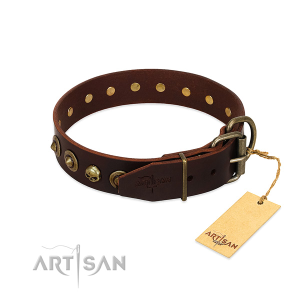 Leather collar with exquisite studs for your pet