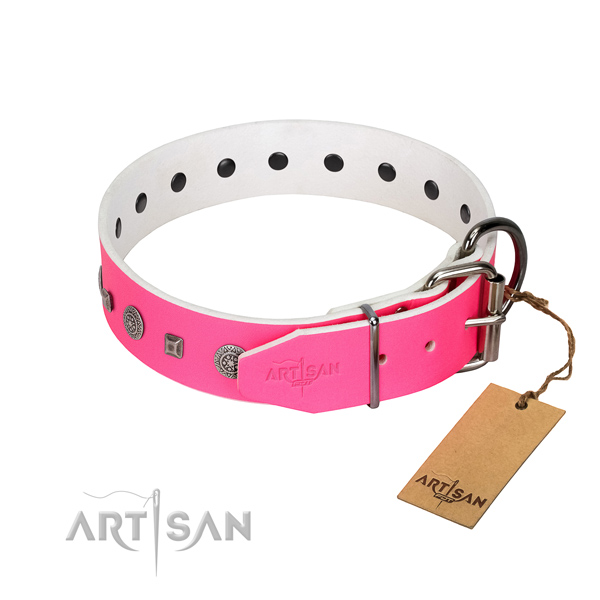 Durable D-ring on stylish design full grain genuine leather dog collar