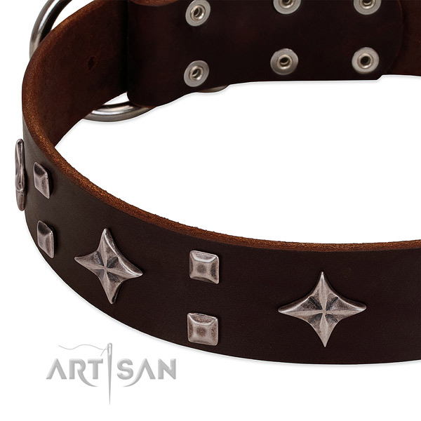 Unusual genuine leather dog collar for easy wearing