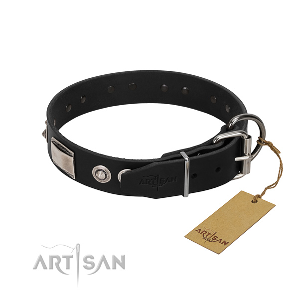 Stylish design collar of genuine leather for your canine